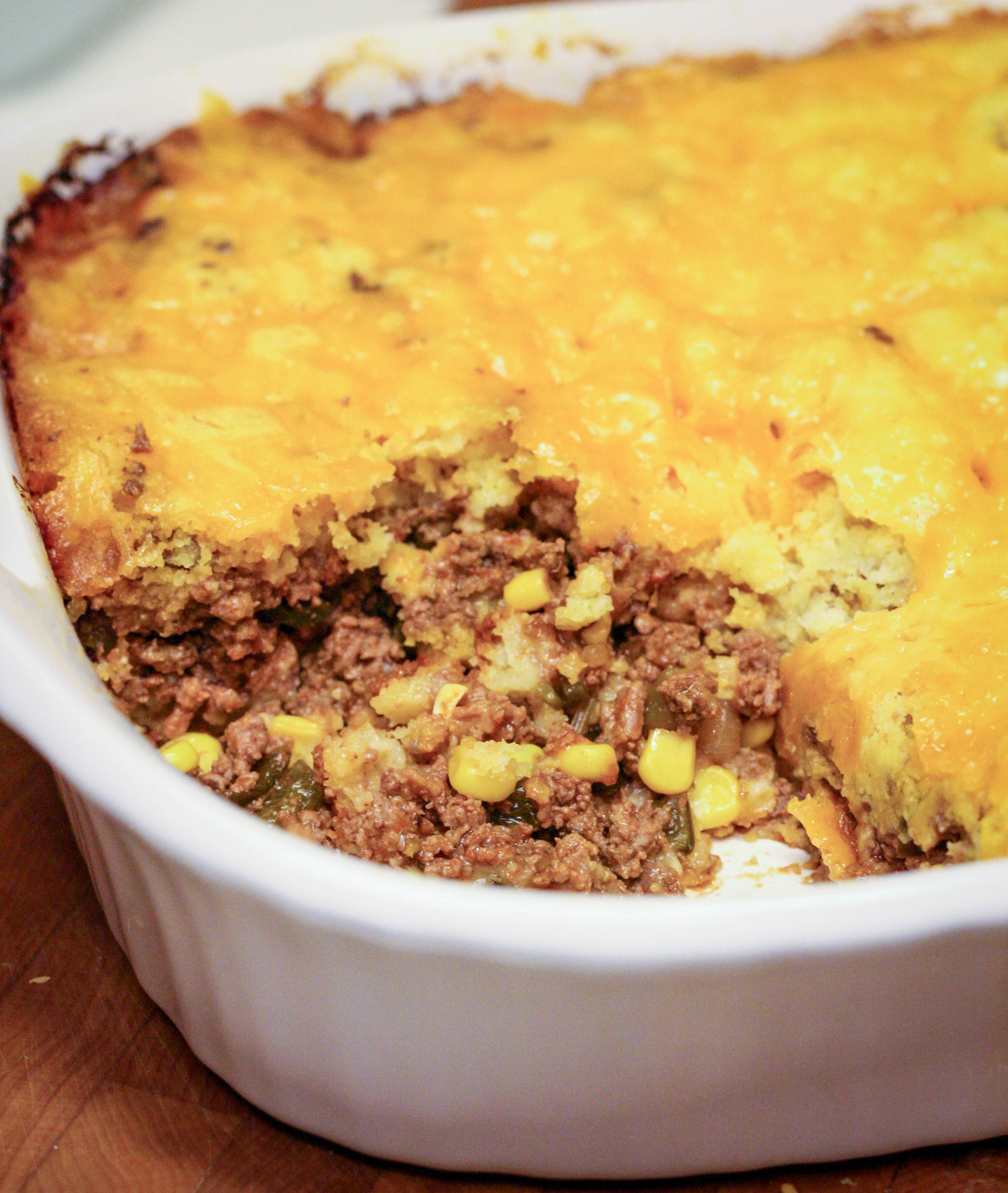 In Texas we love tamales. Texas Tamale Pie is a spin on beef tamales. || Yellow Rose Life ||